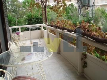 (Προς Πώληση) Κατοικία Οροφοδιαμέρισμα || Αθήνα Νότια/Γλυφάδα - 212 τ.μ, 5 Υ/Δ, 390.000€