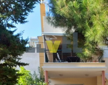 (For Sale) Residential Detached house || Athens South/Alimos - 222 Sq.m, 5 Bedrooms, 650.000€