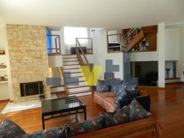 (Προς Πώληση) Κατοικία Οροφοδιαμέρισμα || Αθήνα Νότια/Γλυφάδα - 330 τ.μ, 3 Υ/Δ, 800.000€