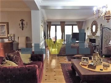 (Προς Πώληση) Κατοικία Οροφοδιαμέρισμα || Αθήνα Νότια/Γλυφάδα - 172 τ.μ, 3 Υ/Δ, 650.000€