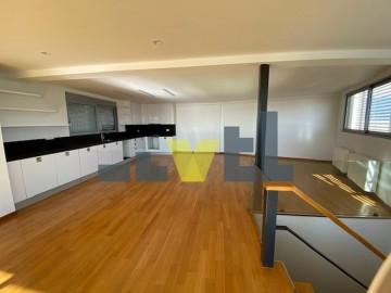 (Προς Πώληση) Κατοικία Μεζονέτα || Ανατολική Αττική/Βάρη-Βάρκιζα - 180 τ.μ, 3 Υ/Δ, 770.000€