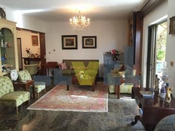(Προς Πώληση) Κατοικία Οροφοδιαμέρισμα || Αθήνα Νότια/Γλυφάδα - 185 τ.μ, 3 Υ/Δ, 650.000€