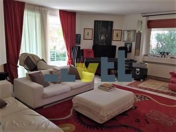 (Προς Πώληση) Κατοικία Οροφοδιαμέρισμα    Ανατολική Αττική/Βούλα - 232 τ.μ, 4 Υ/Δ, 800.000€