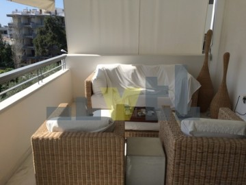 (Προς Ενοικίαση) Κατοικία Οροφοδιαμέρισμα || Αθήνα Νότια/Γλυφάδα - 147 τ.μ, 3 Υ/Δ, 2.500€