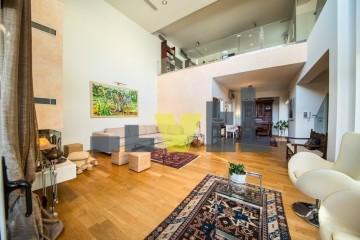 (Προς Πώληση) Κατοικία Μεζονέτα || Ανατολική Αττική/Βάρη-Βάρκιζα - 300 τ.μ, 4 Υ/Δ, 840.000€