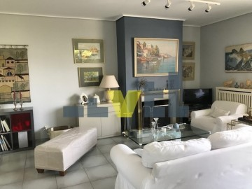 (For Sale) Residential Floor Apartment || Athens South/Glyfada - 120 Sq.m, 3 Bedrooms, 320.000€
