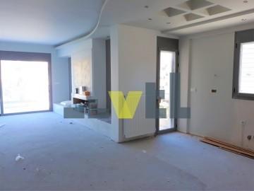 (Προς Ενοικίαση) Κατοικία Οροφοδιαμέρισμα || Αθήνα Νότια/Γλυφάδα - 131 τ.μ, 3 Υ/Δ, 2.900€