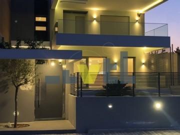 (Προς Ενοικίαση) Κατοικία Μονοκατοικία || Ανατολική Αττική/Βάρη-Βάρκιζα - 330 τ.μ, 3 Υ/Δ, 3.500€