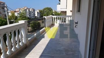 (Προς Πώληση) Κατοικία Οροφοδιαμέρισμα || Αθήνα Νότια/Άλιμος - 150 τ.μ, 3 Υ/Δ, 395.000€
