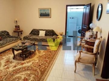 (Προς Πώληση) Κατοικία Διαμέρισμα || Αθήνα Νότια/Γλυφάδα - 70 τ.μ, 1 Υ/Δ, 155.000€