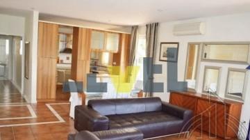 (Προς Ενοικίαση) Κατοικία Οροφοδιαμέρισμα || Αθήνα Νότια/Γλυφάδα - 136 τ.μ, 3 Υ/Δ, 1.550€