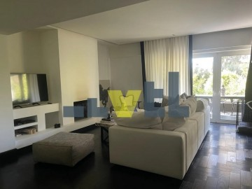 (Προς Ενοικίαση) Κατοικία Οροφοδιαμέρισμα || Ανατολική Αττική/Βούλα - 150 τ.μ, 3 Υ/Δ, 1.900€