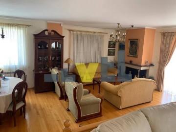 (Προς Ενοικίαση) Κατοικία Οροφοδιαμέρισμα || Αθήνα Νότια/Γλυφάδα - 168 τ.μ, 3 Υ/Δ, 1.700€