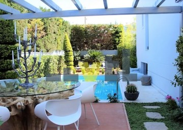 (For Rent) Residential Detached house || Athens South/Glyfada - 270 Sq.m, 5 Bedrooms, 5.500€