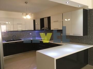 (Προς Ενοικίαση) Κατοικία Μεζονέτα || Ανατολική Αττική/Βουλιαγμένη - 215 τ.μ, 2 Υ/Δ, 2.000€